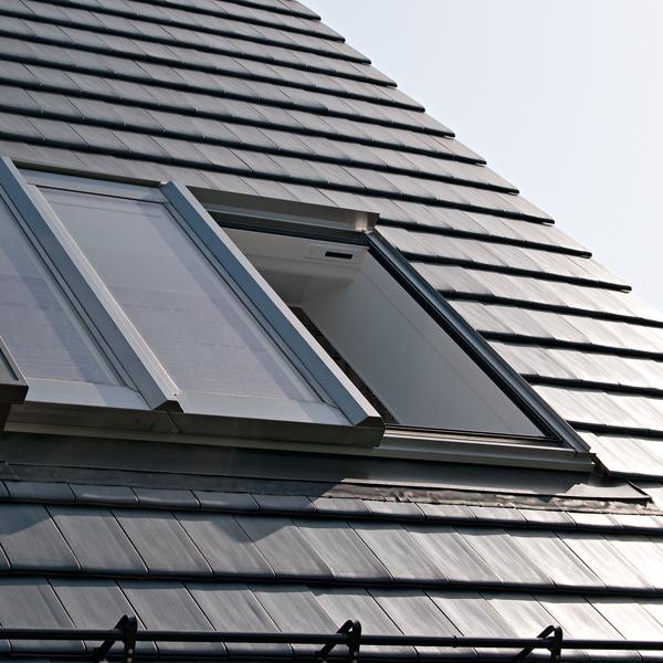 frick holzbau roto oder velux dachfenster mit einbau. Black Bedroom Furniture Sets. Home Design Ideas